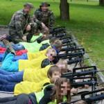 «Atelier fusils d'assaut» à l'école primaire : une enquête ouverte, la polémique enfle