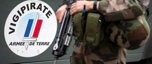 9881606lpw-9881665-article-militaire-armee-sentinelle-soldat-jpg_4513757_660x281
