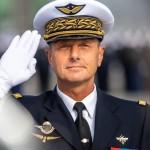 L'Adjudant-chef GUEDON demande des explications au Général GUICHARD commandant  la Gendarmerie de l'Air.